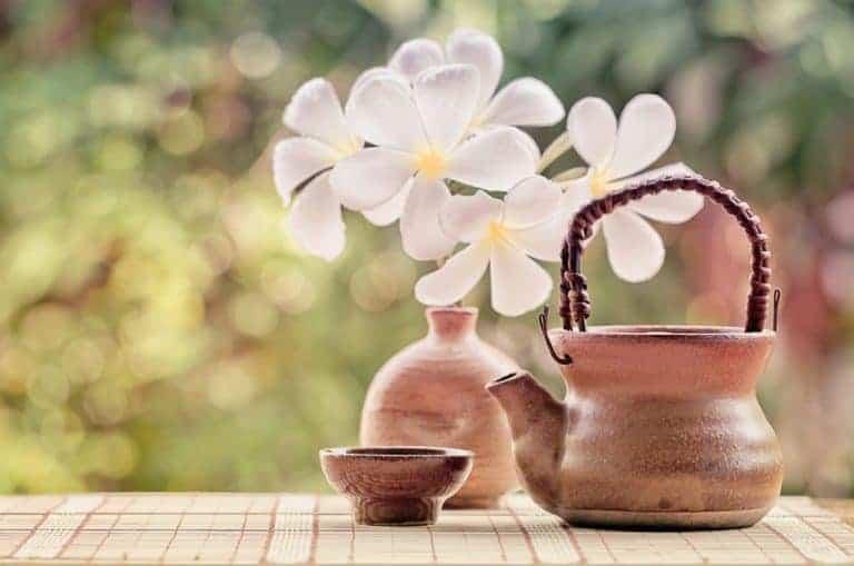 Tetera con flor
